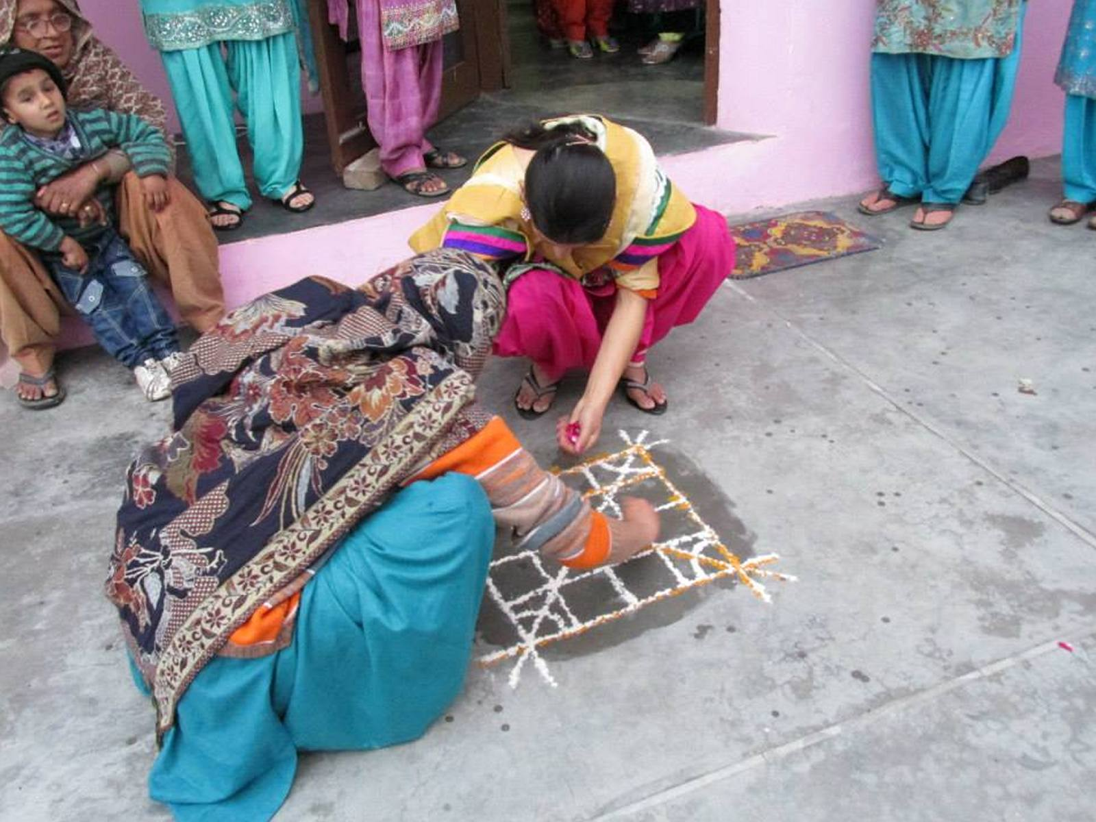making-rangoli